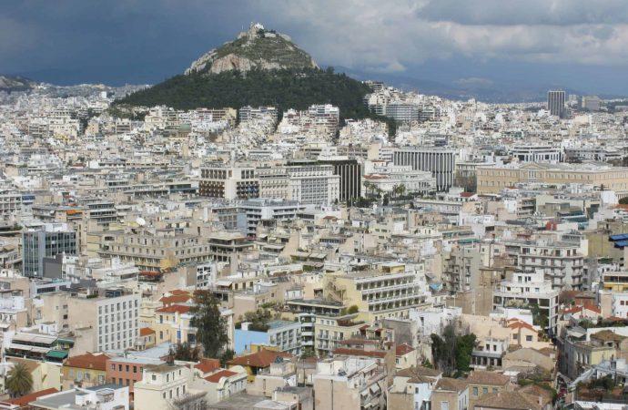 """Ακυρώθηκαν κρατήσεις – """"Πόλη φάντασμα"""" η Αθήνα"""