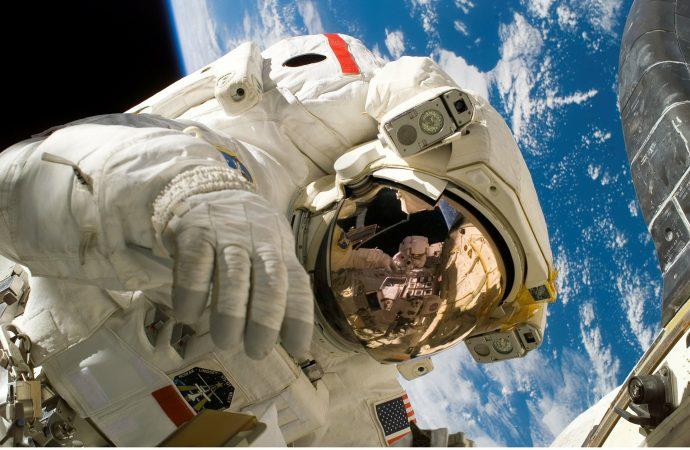 NASA: Ετοιμάζει αποστολή στη σκοτεινή πλευρά της Σελήνης