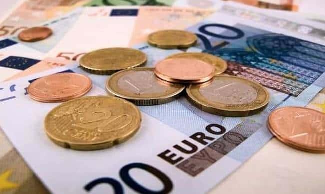 Επίδομα 800 ευρώ για ελεύθερους επαγγελματίες – Ποιοι το δικαιούνται