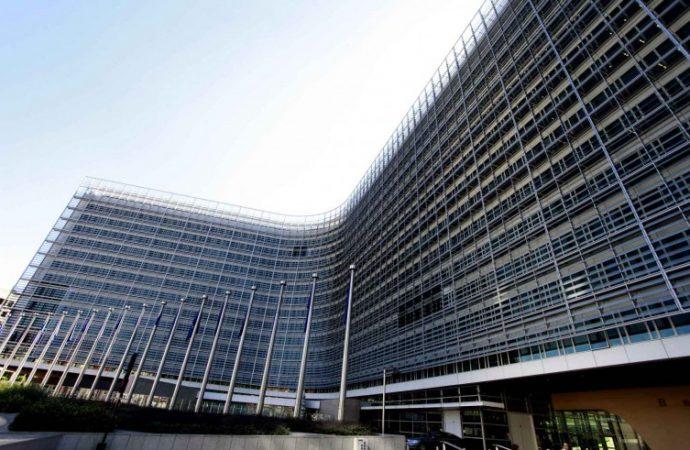 ΕΕ: Ενέκρινε 2 δισ. ευρώ για τη στήριξη της ελληνικής οικονομίας