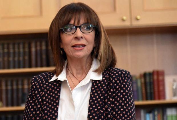 Κ.Σακελλαροπούλου: Η συγκίνησή της από γράμματα μαθητών